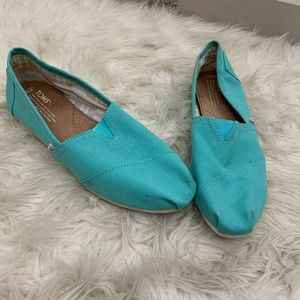 Toms Aqua and white canvas slip on shoes